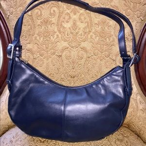 e01f87bc3296 Laura Scott Leather Shoulder Bag.